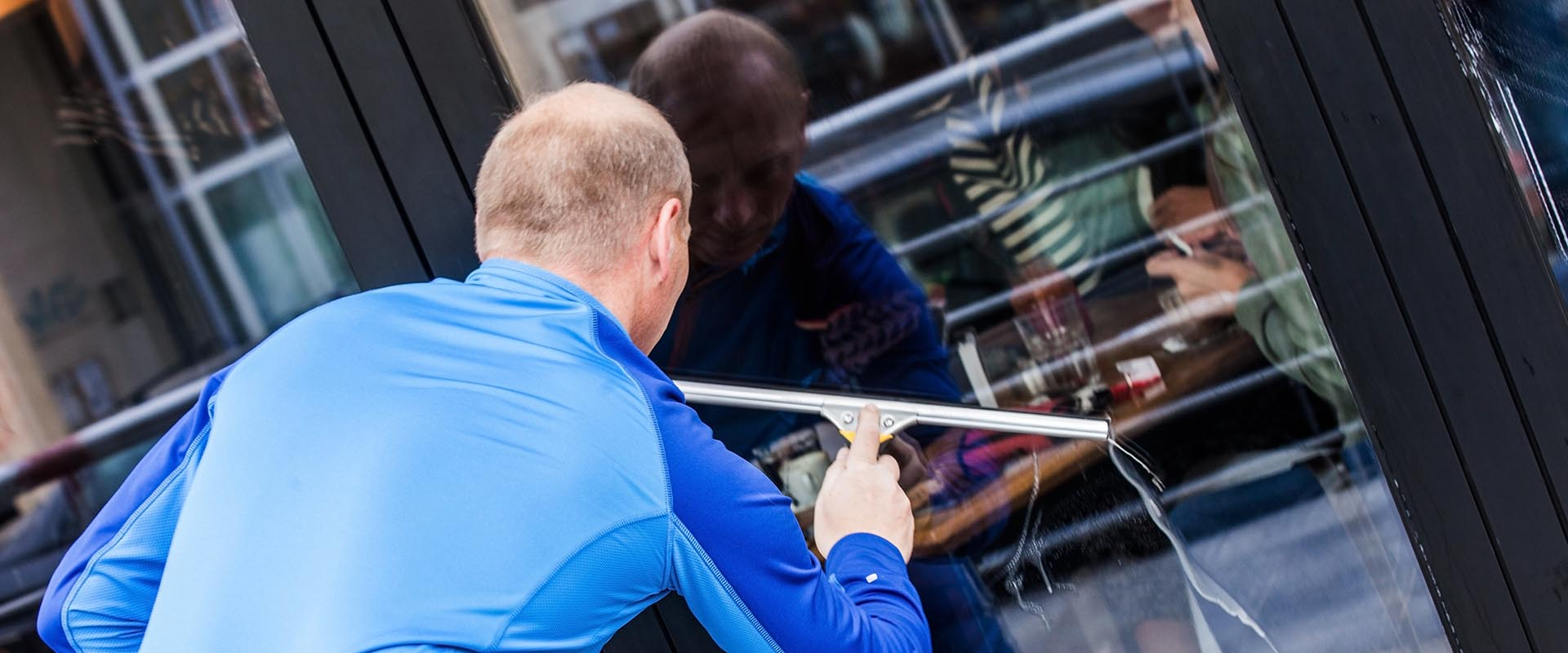 Commercial window cleaners in Swindon